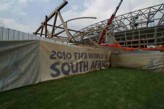 World Cup presentation outside Joburg Dec 2008.jpg (5)
